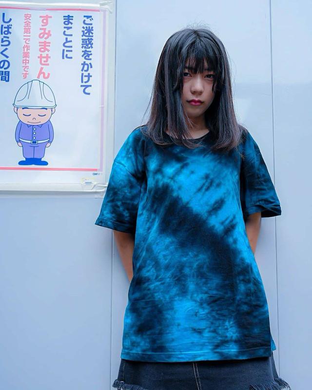 ムラ染めTシャツ水色